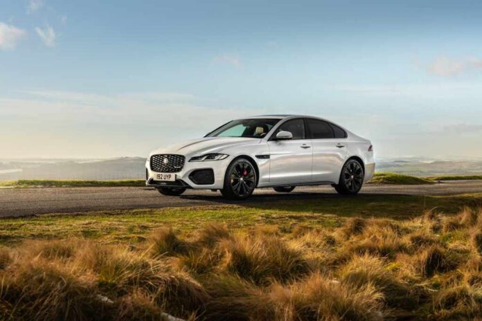 2021-jaguar-xf-p300